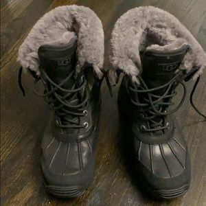 All weather Ugg Boots like new great condition
